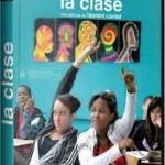 124'. François y los demás profesores se preparan para enfrentarse a un nuevo curso en un instituto de un barrio conflictivo. Llenos de buenas intenciones, deseos de aportar la mejor educación, se arman contra el desaliento.